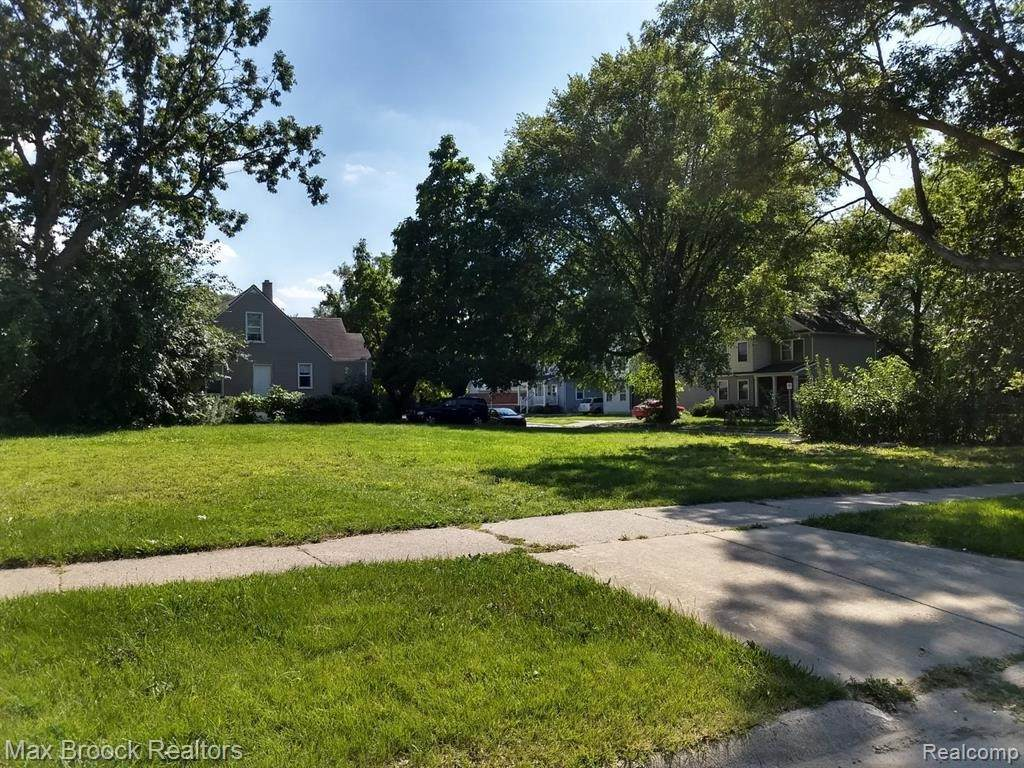 21148 Woodside Ave - Photo 1