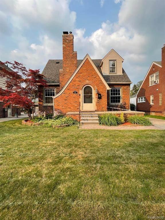 2537 Lenox St, Trenton, MI 48183 (MLS #2210057630) :: Kelder Real Estate Group