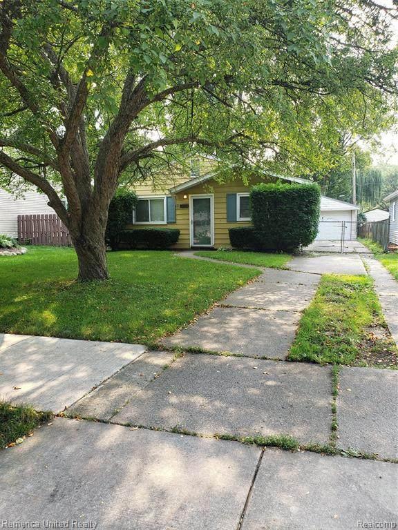 7583 Gilman St St, Westland, MI 48185 (MLS #2210057938) :: Kelder Real Estate Group