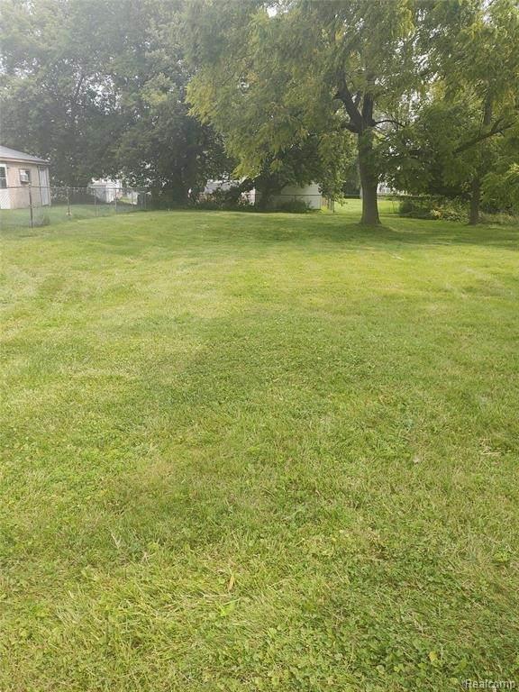 25340 Lawn St, Roseville, MI 48066 (MLS #2210066126) :: The BRAND Real Estate