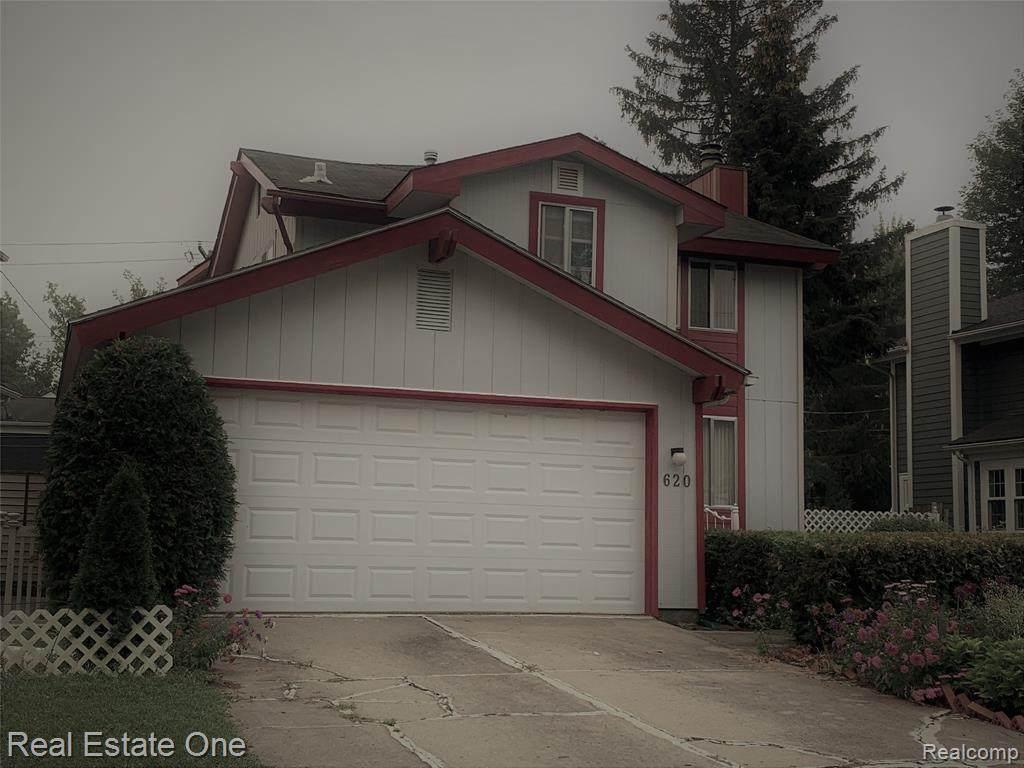 620 Davis Ave - Photo 1