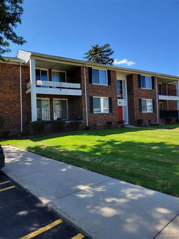 25355 Shiawassee Cir Apt 105, Southfield, MI 48033 (MLS #2210071989) :: The BRAND Real Estate