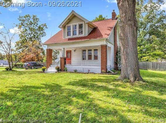 5689 Brandt St, Garden City, MI 48135 (MLS #2210080082) :: Kelder Real Estate Group