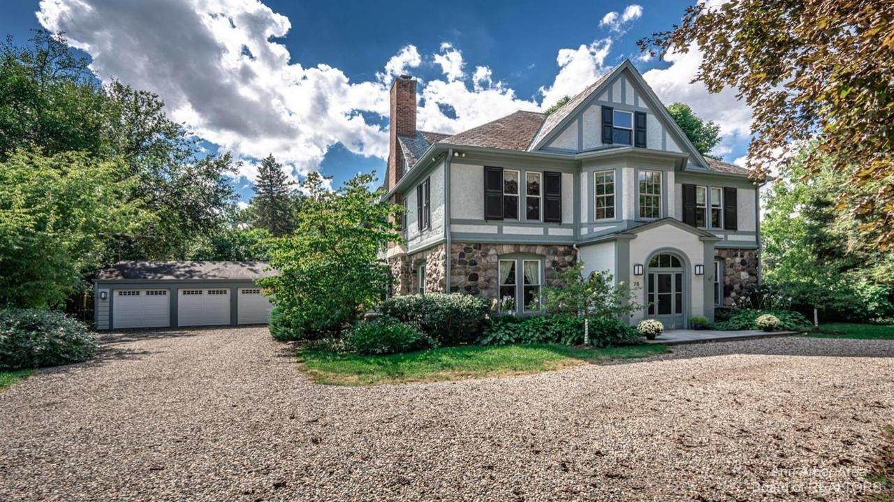 75 Laurin Dr - Photo 1