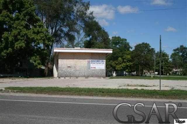 1739 Corunna Ave, Owosso, MI 48867 (MLS #50006516) :: The Tom Lipinski Team at Keller Williams Lakeside Market Center