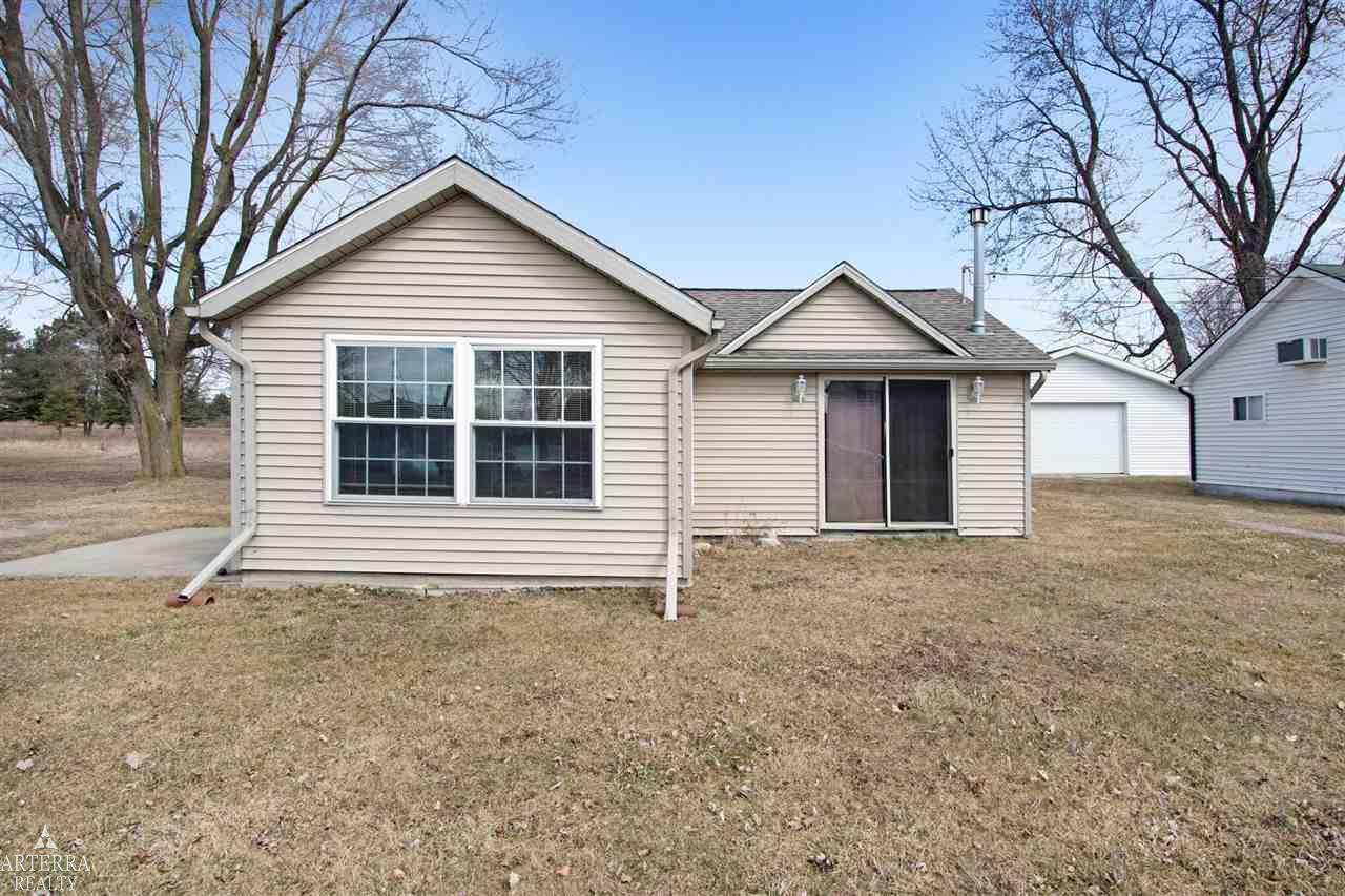 4149 Lakeview Dr - Photo 1