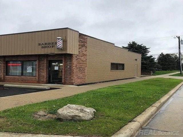 18262 E 13 Mile Road, Roseville, MI 48066 (MLS #50013023) :: The Tom Lipinski Team at Keller Williams Lakeside Market Center