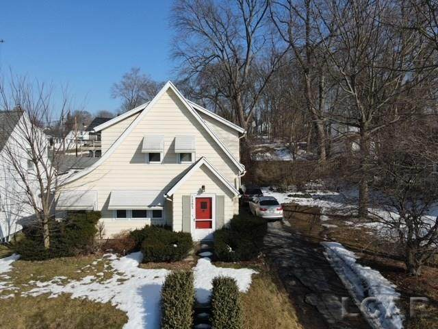 1203 S West Ave, Jackson, MI 49203 (MLS #50035121) :: The BRAND Real Estate