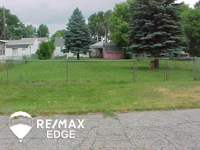 Mclean, Flint, MI 48507 (MLS #50043204) :: The BRAND Real Estate