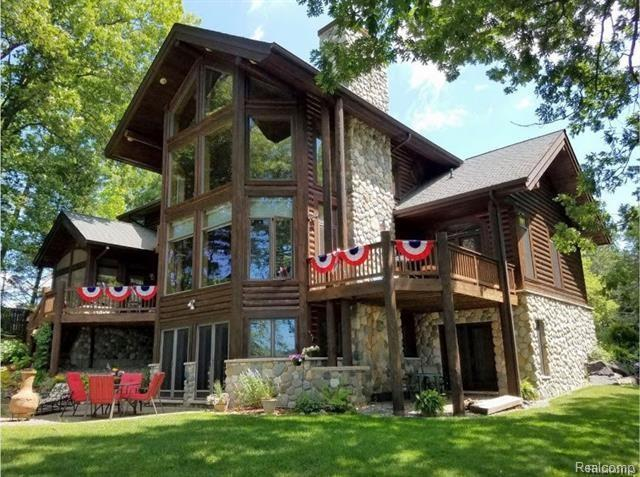 8651 Tipsico Trail, Holly, MI 48442 (MLS #217095130) :: The John Wentworth Group