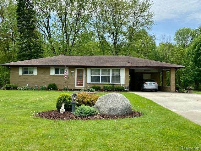 2421 Meadowbrook Ln, Clio, MI 48520 (MLS #2200037828) :: The Tom Lipinski Team at Keller Williams Lakeside Market Center