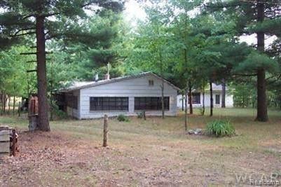 147 Us Highway 10, Idlewild, MI 49642 (MLS #2210012003) :: The BRAND Real Estate
