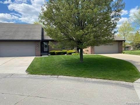45471 Meadows Sq, Macomb, MI 48044 (MLS #2210034707) :: The BRAND Real Estate