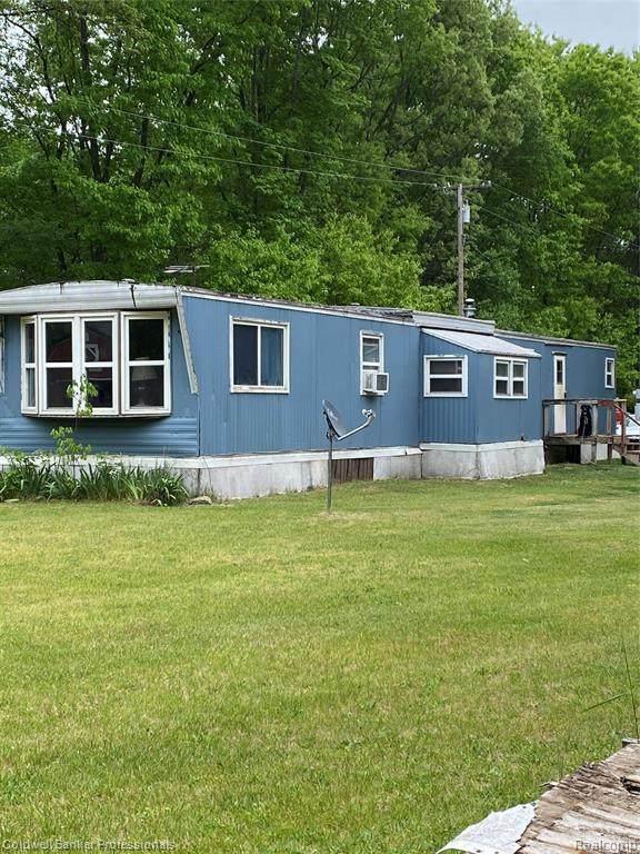 1442 Burnside Rd, North Branch, MI 48461 (MLS #2210039603) :: Kelder Real Estate Group