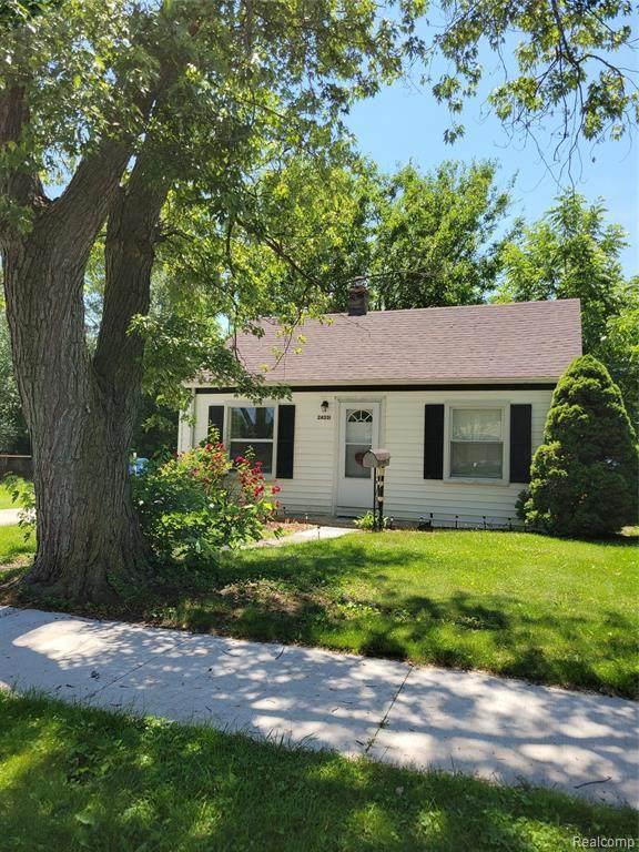 24331 Mcdonald St, Dearborn Heights, MI 48125 (MLS #2210055927) :: Kelder Real Estate Group