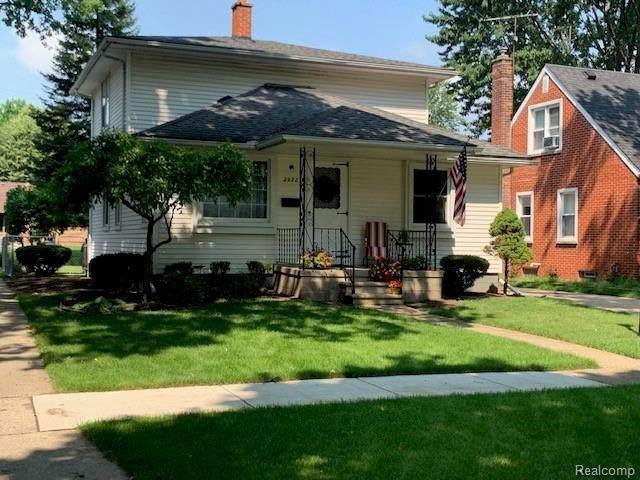 2932 Bennett St, Dearborn, MI 48124 (MLS #2210057088) :: Kelder Real Estate Group