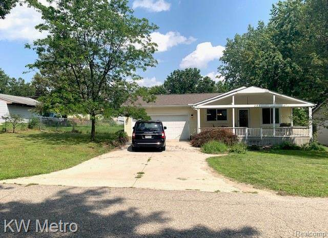 278 Highgate Ave, Waterford, MI 48327 (MLS #2210060204) :: Kelder Real Estate Group