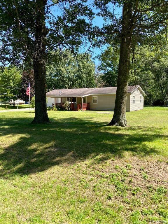 2980 N Harrison Ave, Harrison, MI 48625 (MLS #2210058433) :: Kelder Real Estate Group