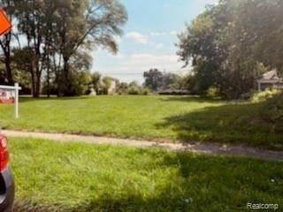 0000 E Muir Ave., Hazel Park, MI 48030 (MLS #2210068913) :: Kelder Real Estate Group