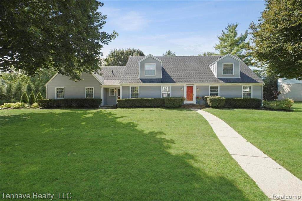 22017 Valley Woods Dr - Photo 1