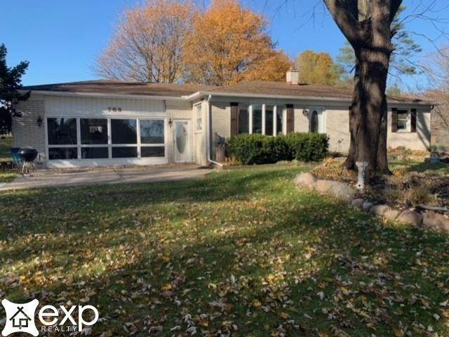 789 Groveland Rd, Ortonville, MI 48462 (MLS #50033906) :: The BRAND Real Estate