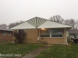 22200 Winshall, Saint Clair Shores, MI 48081 (MLS #31335600) :: The Tom Lipinski Team at Keller Williams Lakeside Market Center