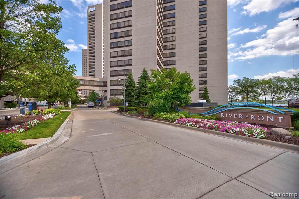 300 Riverfront Dr - Photo 1