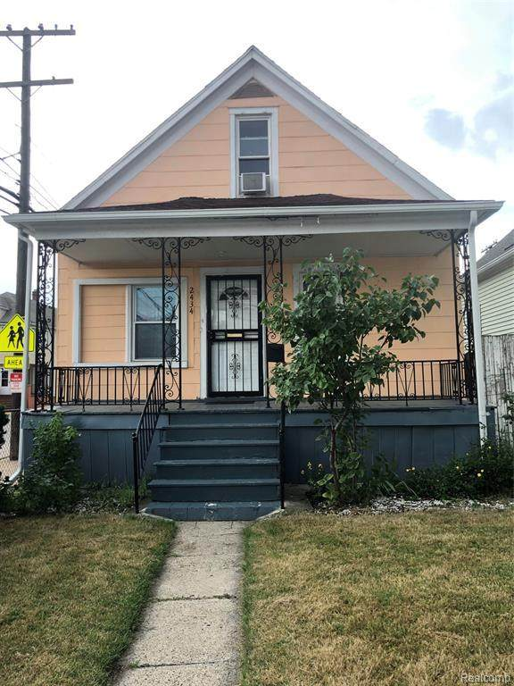 2434 Whalen St, Hamtramck, MI 48212 (MLS #2210051010) :: The BRAND Real Estate