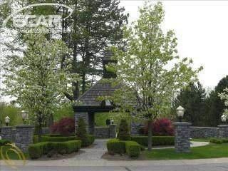 6296 Bridle Path, Grand Blanc, MI 48439 (MLS #30049494) :: The Tom Lipinski Team at Keller Williams Lakeside Market Center