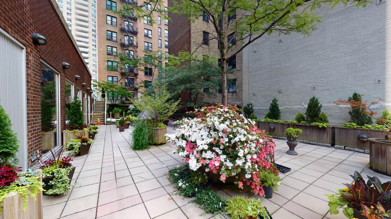 100 94th Street - Photo 1