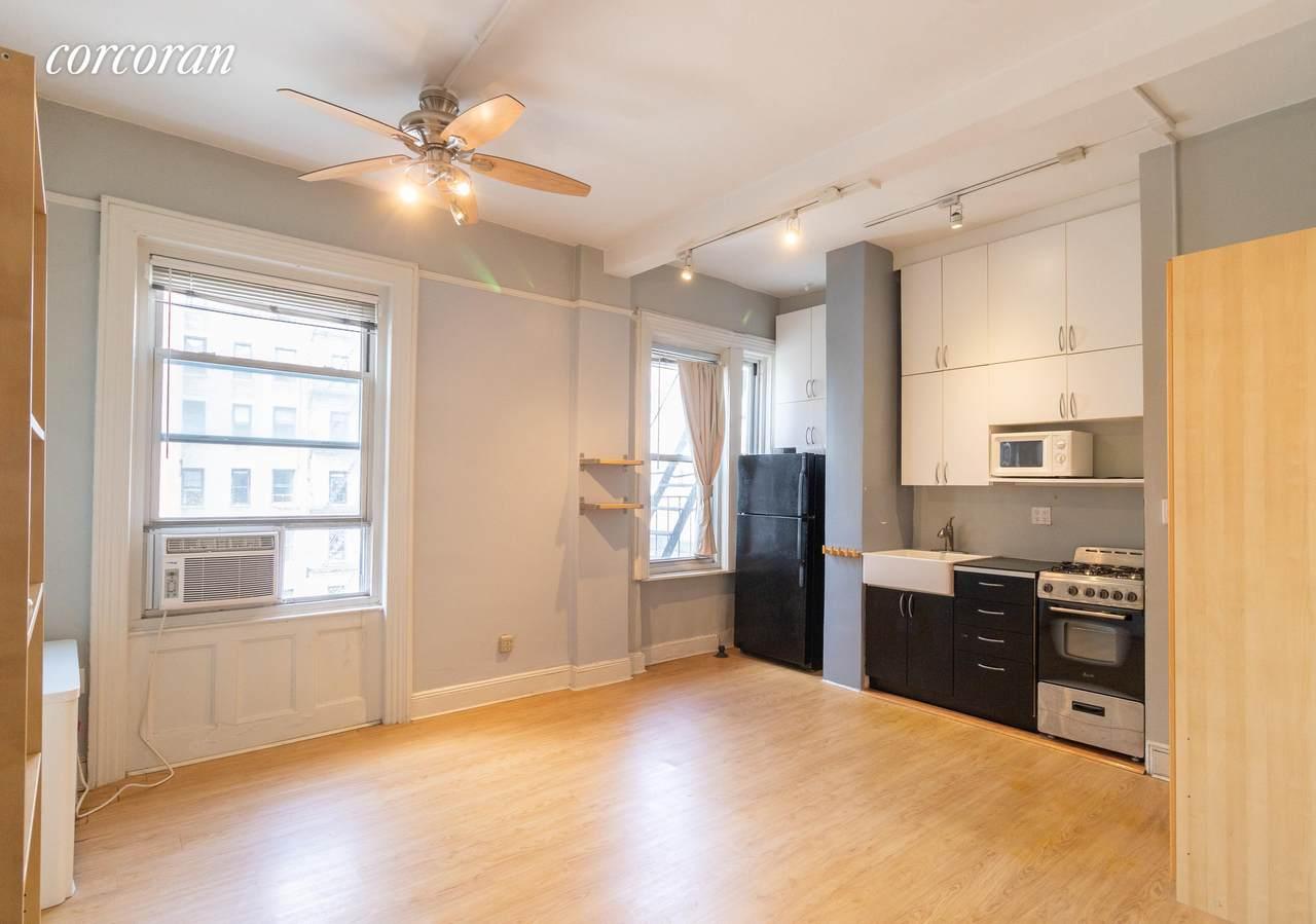 615 113TH Street - Photo 1