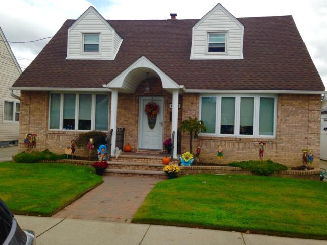 15831 92ND St House, QUEENS, NY 11414 (MLS #NEST-64135) :: The Napolitano Team at RE/MAX Edge
