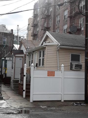 5 Banner 3rd Ter, Brooklyn, NY 11235 (MLS #OLRS-0054365) :: RE/MAX Edge