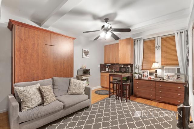 321 E 43rd St #311, NEW YORK, NY 10017 (MLS #OLRS-742285) :: RE/MAX Edge