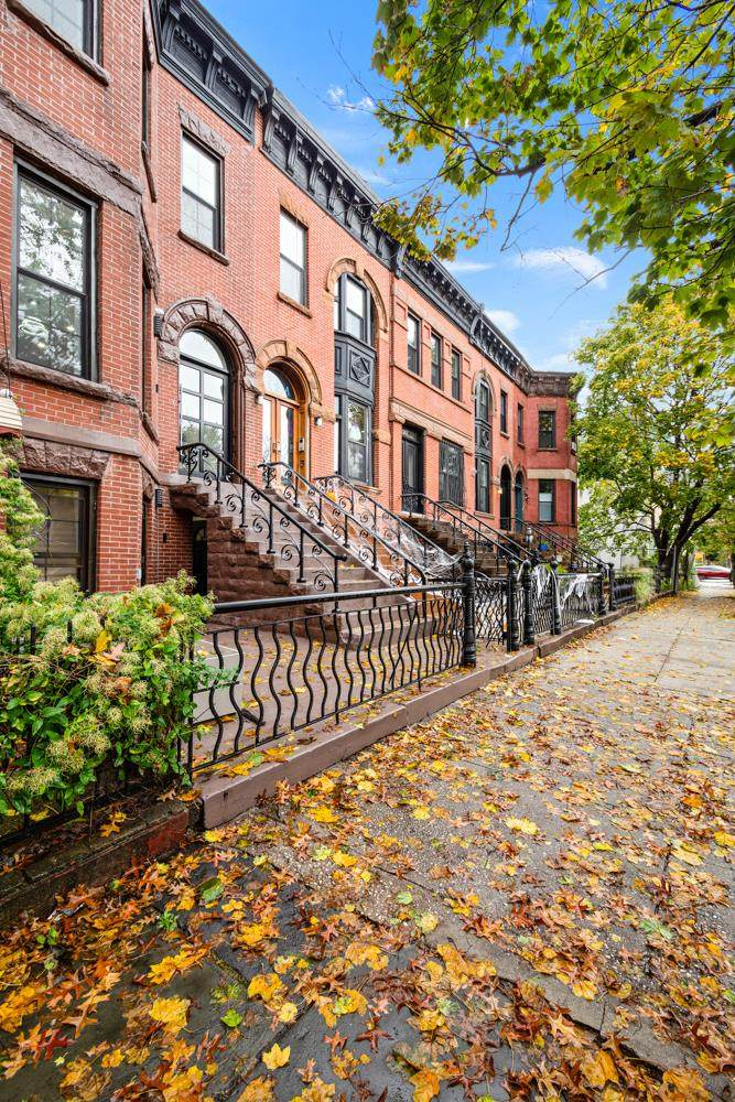 261 Bainbridge St, Brooklyn, NY 11233 (MLS #OLRS-0075444) :: RE/MAX Edge
