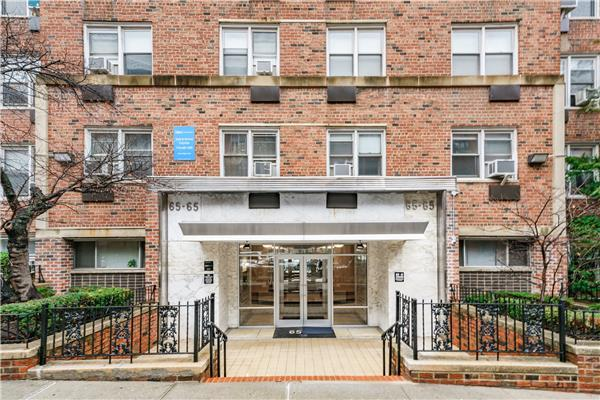 65-65 Wetherole St 5-N, QUEENS, NY 11374 (MLS #OLRS-1729331) :: The Napolitano Team at RE/MAX Edge