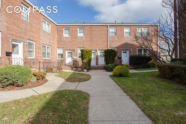10-17 Whitestone Expy 1025-A, QUEENS, NY 11357 (MLS #OLRS-1796545) :: RE/MAX Edge