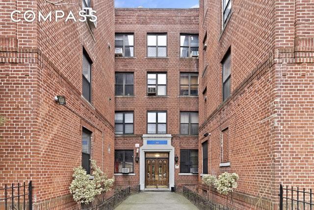 260 Linden Blvd 4-A, Brooklyn, NY 11226 (MLS #OLRS-1798467) :: RE/MAX Edge