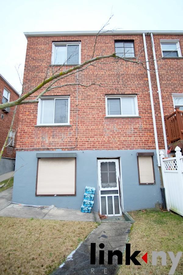 1363 Kearney Ave, BRONX, NY 10465 (MLS #RLMX-010950031402) :: RE/MAX Edge