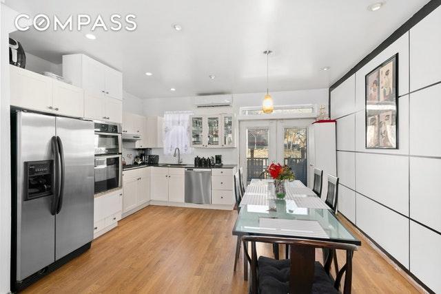 161 Maspeth Ave, Brooklyn, NY 11211 (MLS #OLRS-0073846) :: RE/MAX Edge