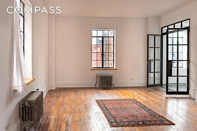 45 Tudor City Pl #2105, NEW YORK, NY 10017 (MLS #OLRS-1243318) :: RE/MAX Edge