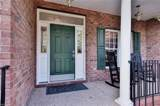 4020 Colonial Cres - Photo 2