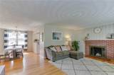 720 Howell St - Photo 3