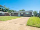 2053 Parkview Ave - Photo 1