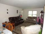 1037 Green St - Photo 18