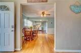 2848 Point Dr - Photo 11