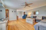2848 Point Dr - Photo 8