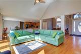 8362 Oyster Cove Rd - Photo 11