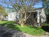 812 Perry St - Photo 2