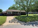940 Redwood Cir - Photo 1